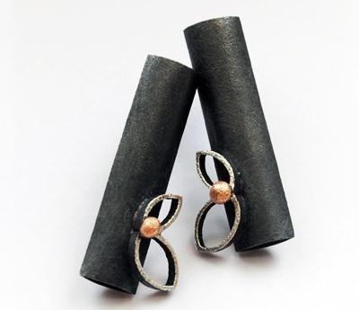 Oxidized Sterling Silver Earrings. 18kt Gold. Black. Post. FOLIUM 2 Earrings. Handmade by Maria Goti Joyas.
